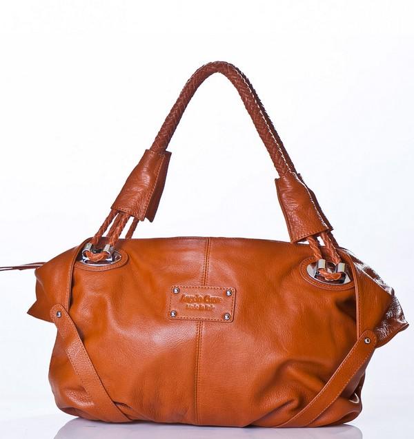 Hobo Flying Up Shoulder Bag 22